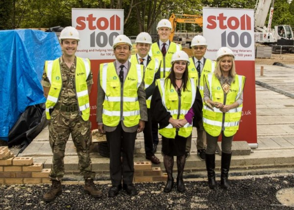 Stoll-CEO-Ed-Tytherleigh-Veterans-Capt.-Andy-Green-and-Mayor-768x550