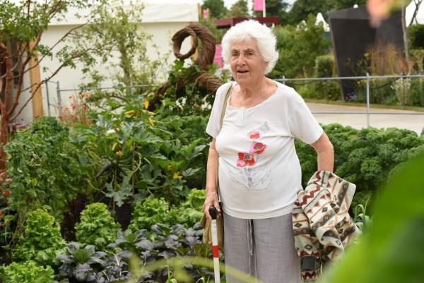 Daphne in garden v2