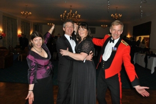 /images/content/alabare-spring-news2012-boscombe-raf-dinner.jpg